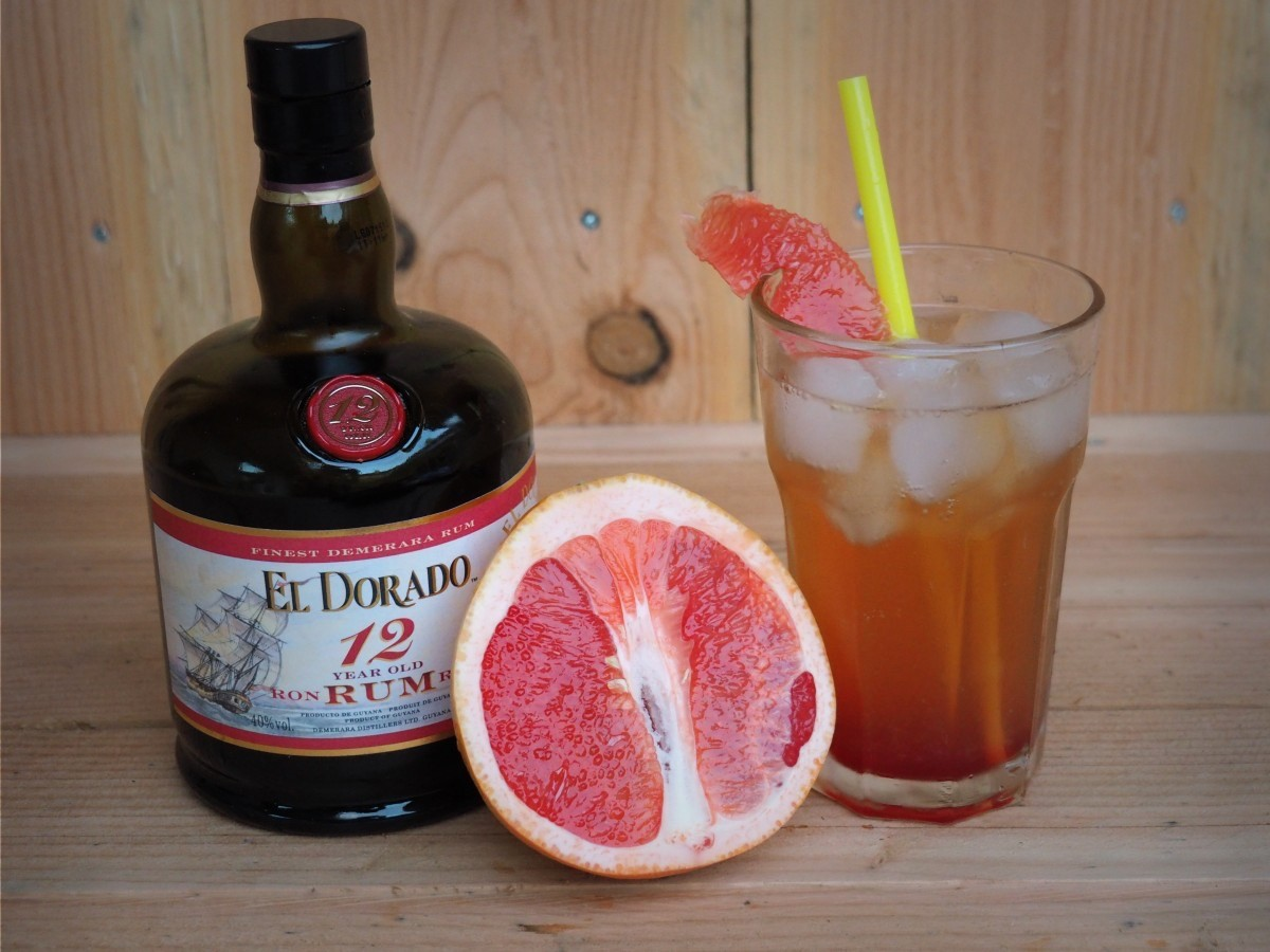 Rum El Dorado 12 Years Old: Dark Paradiso Cocktail - Familie over de kook