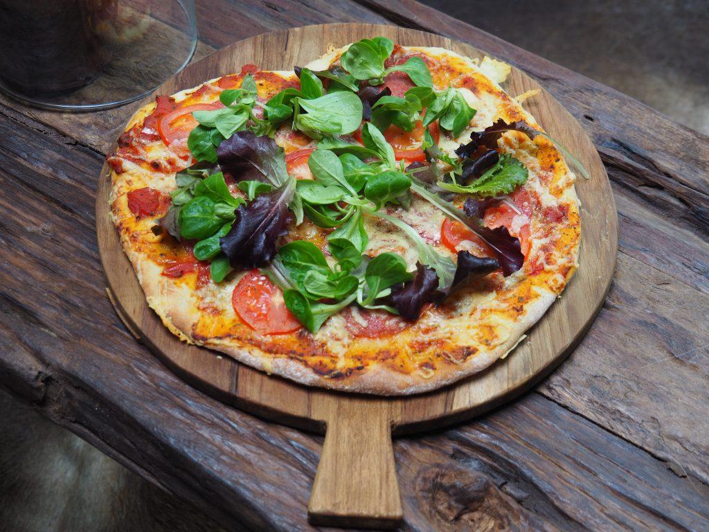 Pizzadeeg zelf maken: basisrecept! - Familie over de kook