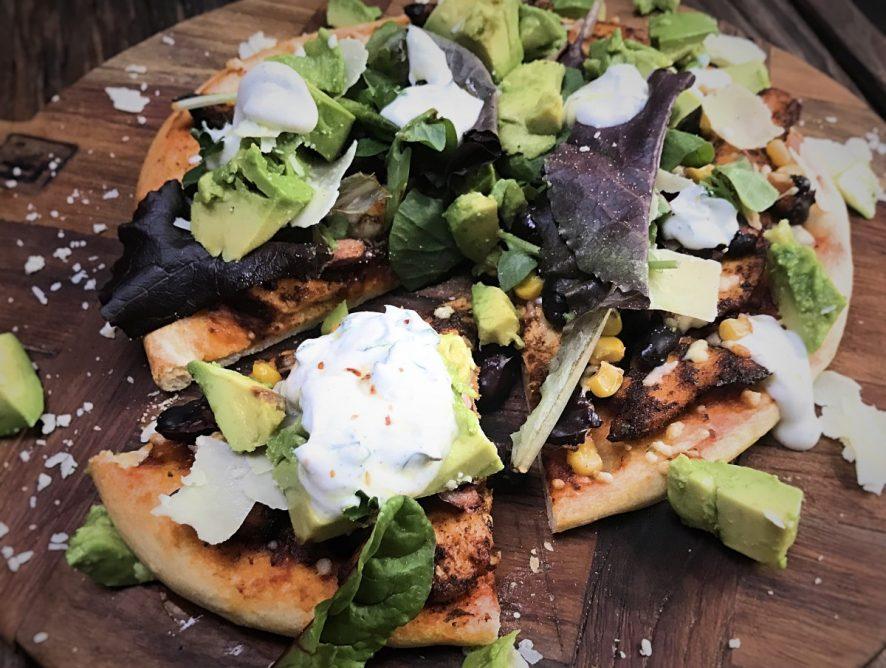 Mexicaanse pizza op een bloemkool pizzabodem van Magioni