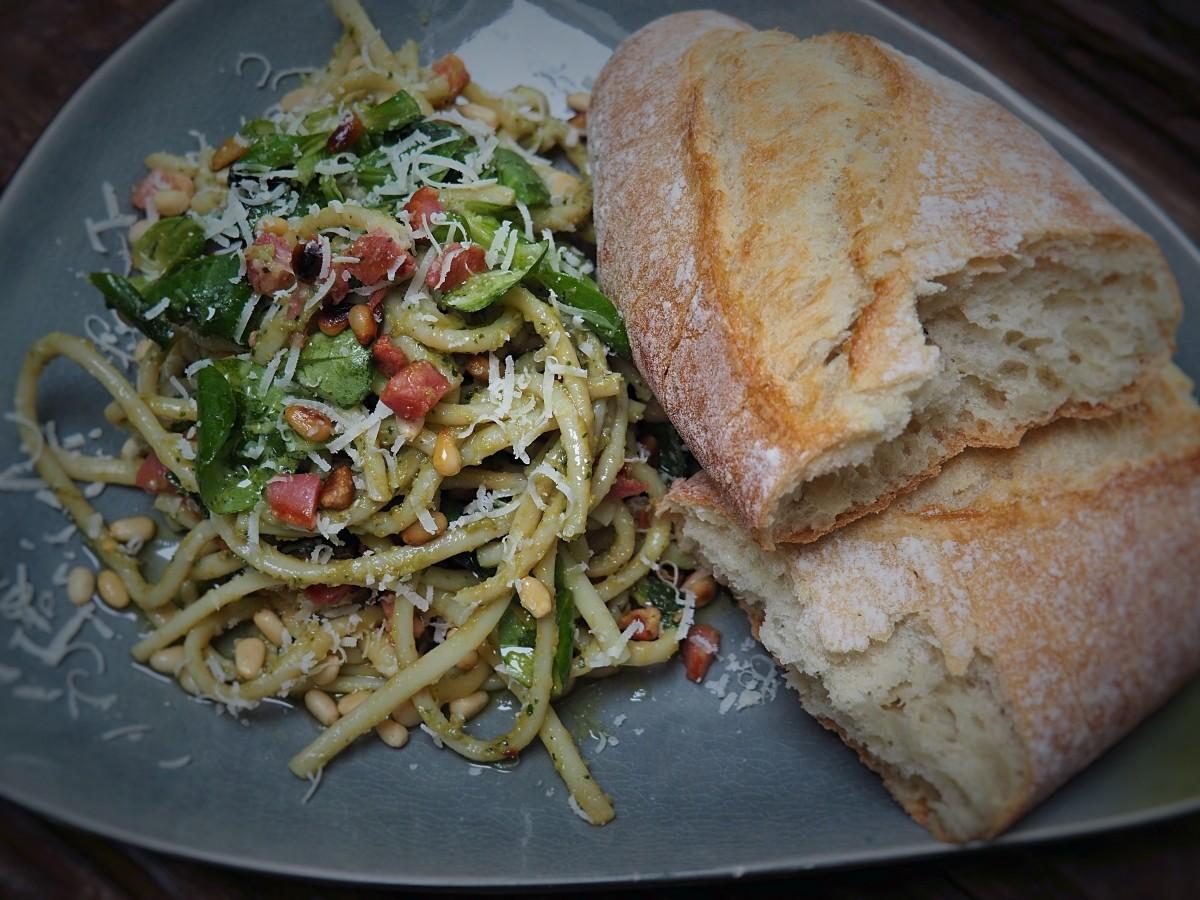 pasta met avocado pesto: romig en pittig - Familie over de kook