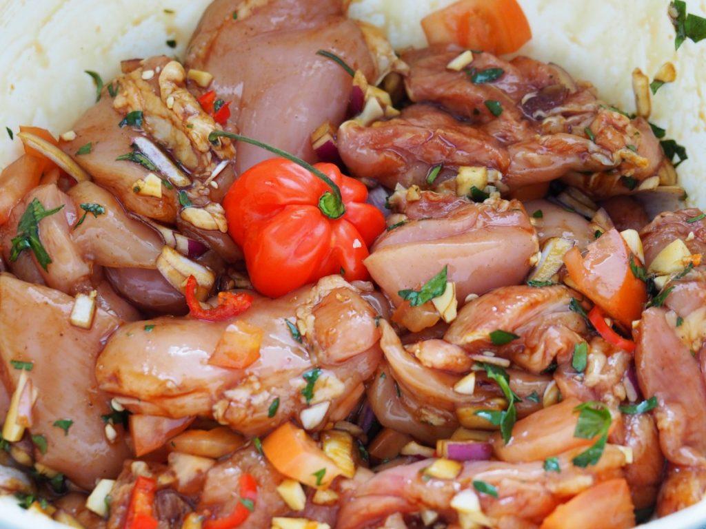 Surinaamse stoofpot met kip en specerijen