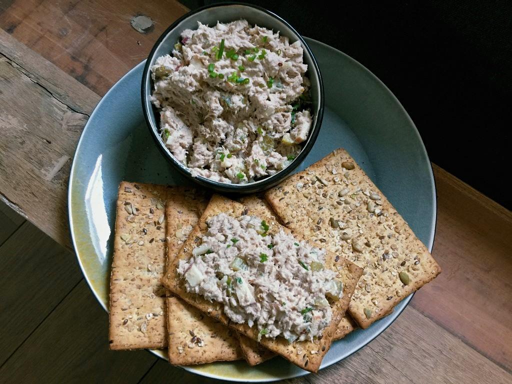 Gezonde tonijnsalade: recept met Griekse yoghurt - Familie over de kook