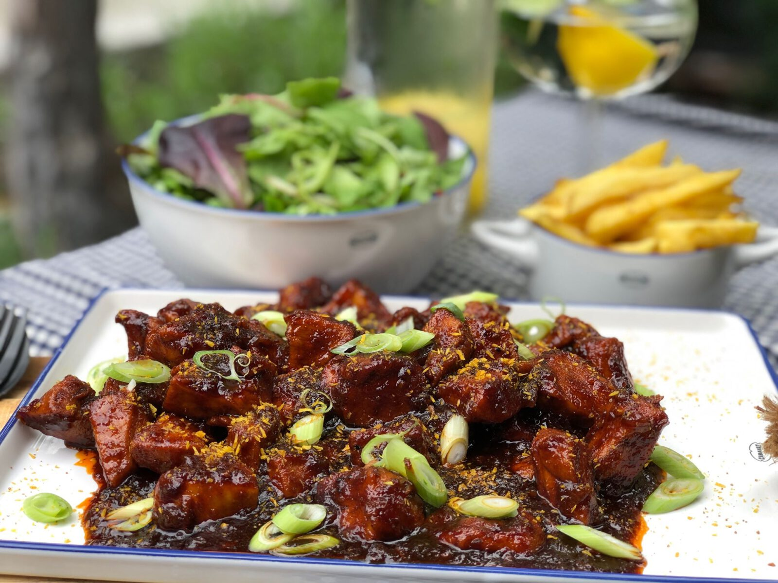 pittige kip in cola ofwel sticky chicken - Familie over de kook
