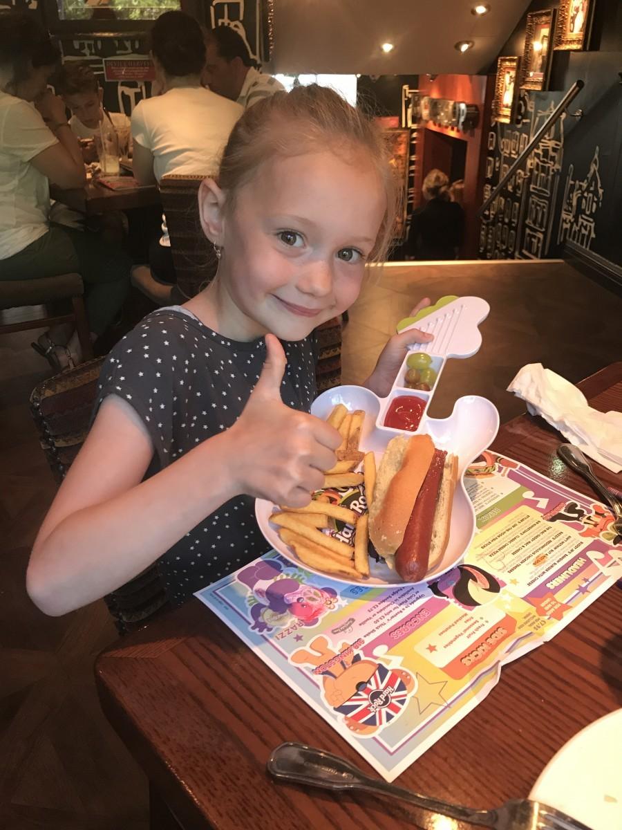 Hard Rock Cafe: Ook super leuk om te eten met kinderen - Familie over de kook