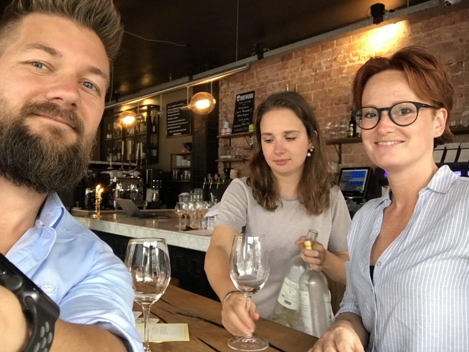 100 wijnen en lekker eten bij Rayleigh & Ramsay in Amsterdam - Familie over de kook