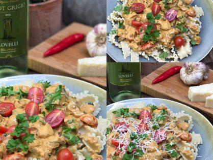 Pasta roomsaus met courgette, champignons en spek