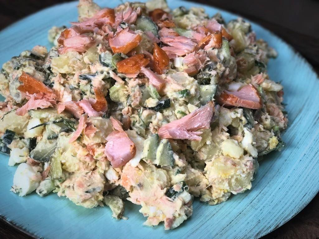 aardappelsalade met gerookte zalm - Familie over de kook