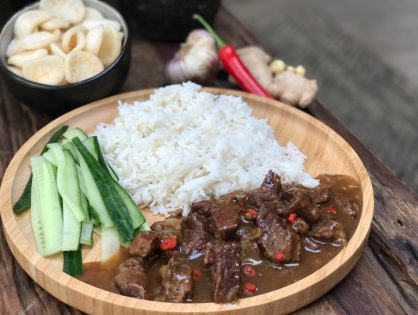 Indisch stoofvlees: pittig en zoet tegelijkertijd