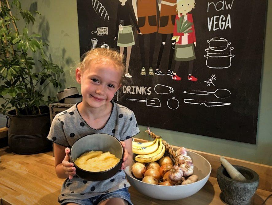 zelf appelmoes maken: super leuk en makkelijk om met kinderen te doen