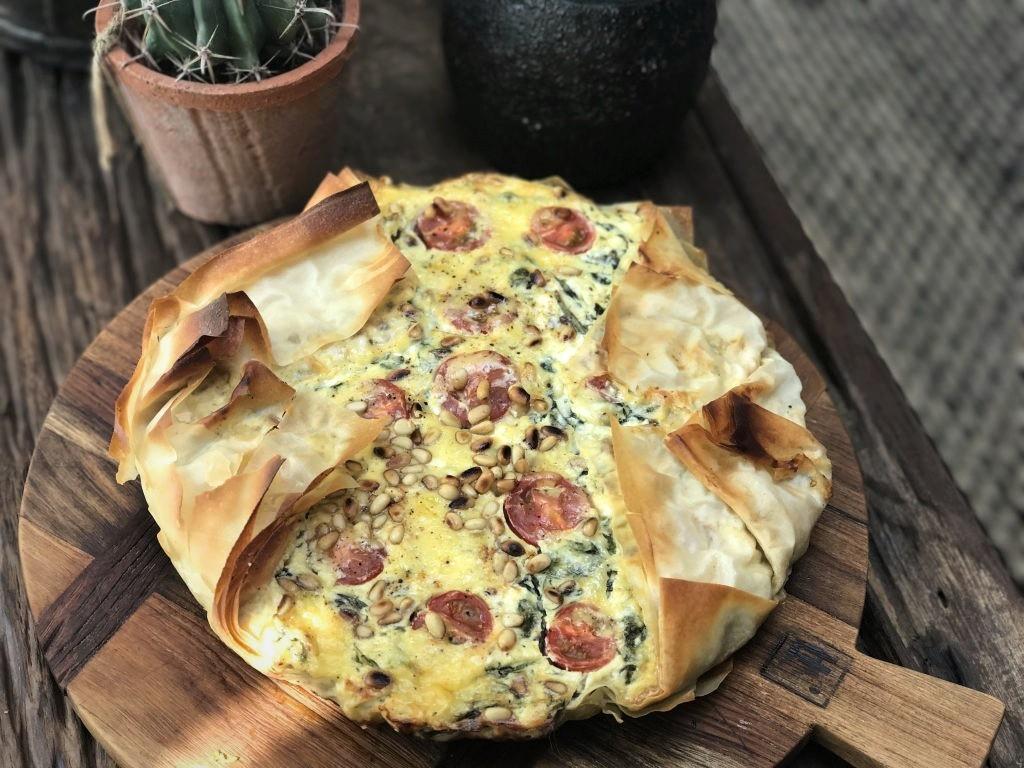 hartige taart van filodeeg met spinazie en fetakaas - Familie over de kook