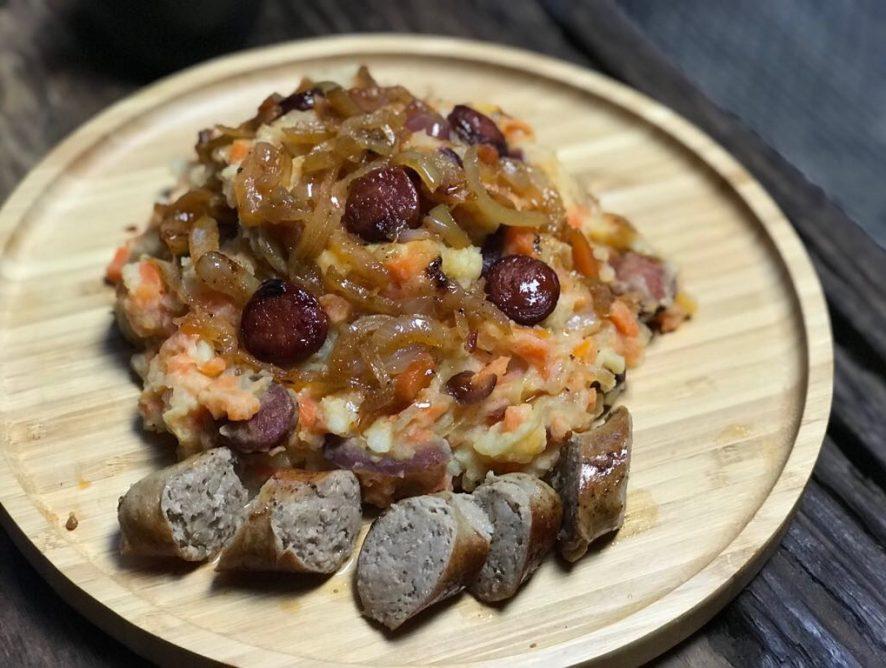 Hutspot 2.0 met gekarameliseerde uien en chorizo