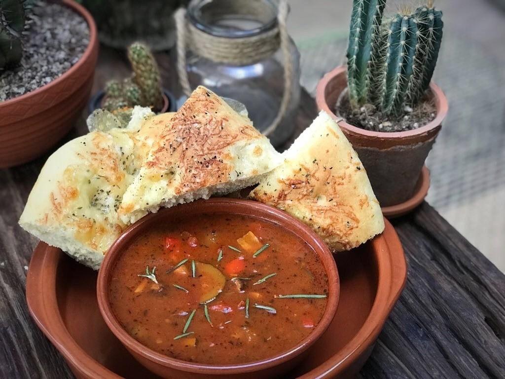 tomatensoep met geroosterde groenten - Familie over de kook