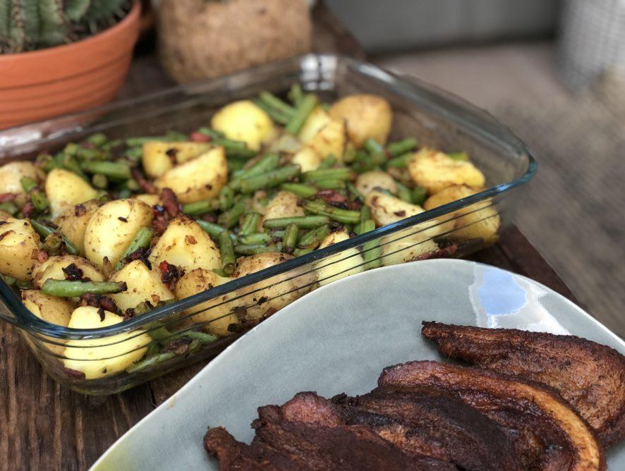 pittige aardappel ovenschotel met sperziebonen en spek