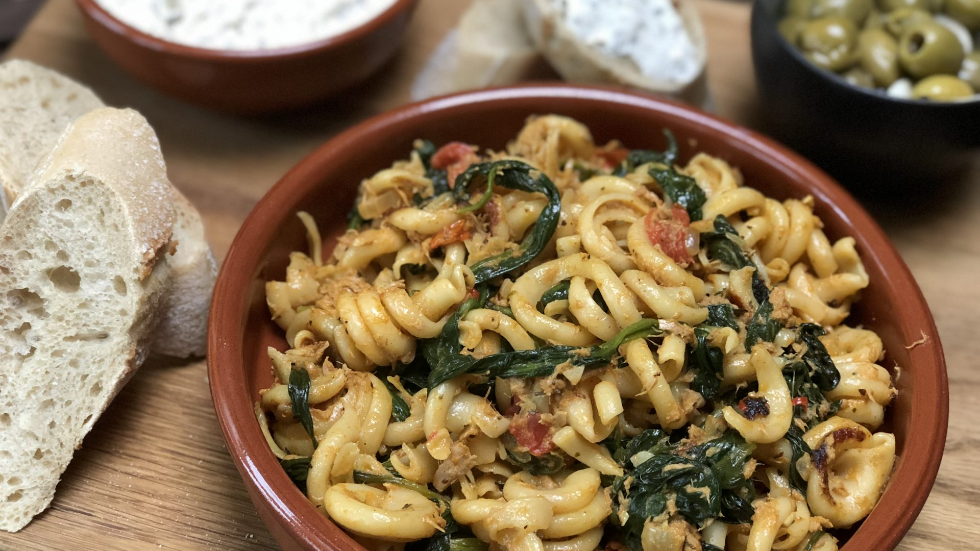 pasta met tonijn en spinazie: in 30 minuten op tafel