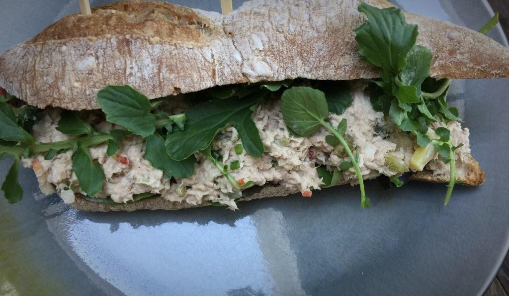 gezonde tonijnsalade: voor op brood of op een toastje - Familie over de kook