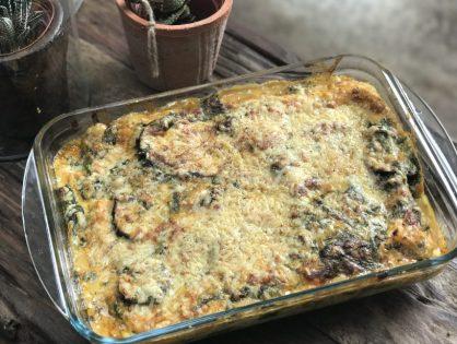 vegetarische lasagne met spinazie en aubergine in romige biersaus