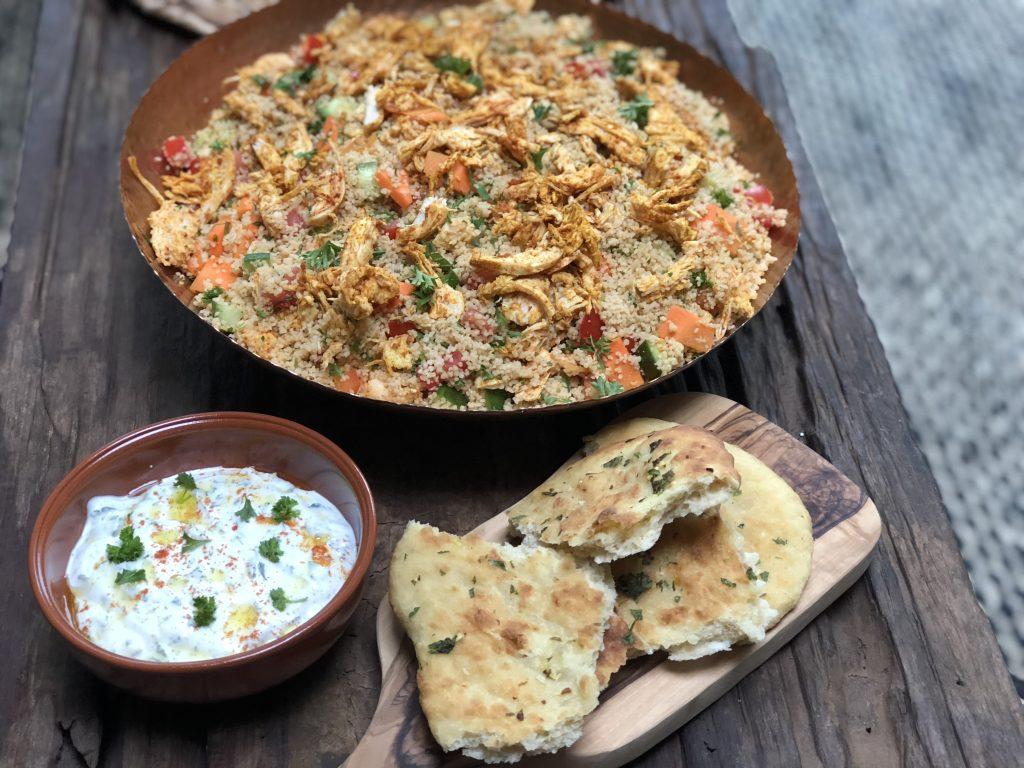 couscous salade met pittige sriracha kip - Familie over de kook
