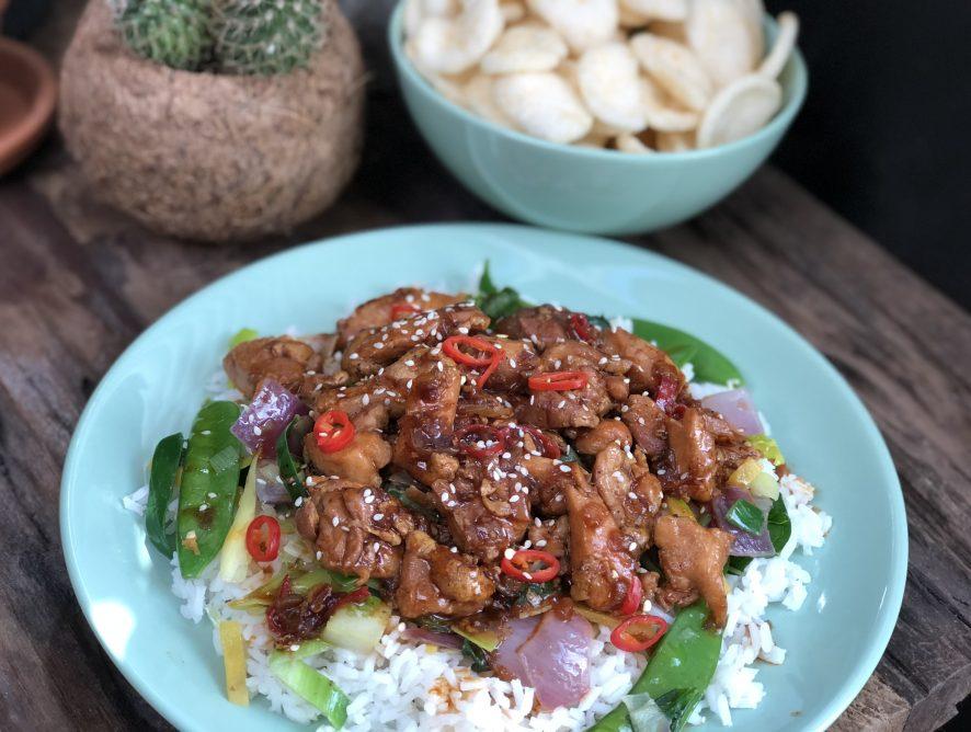 kip in zwarte pepersaus: zonder pakjes en zakjes