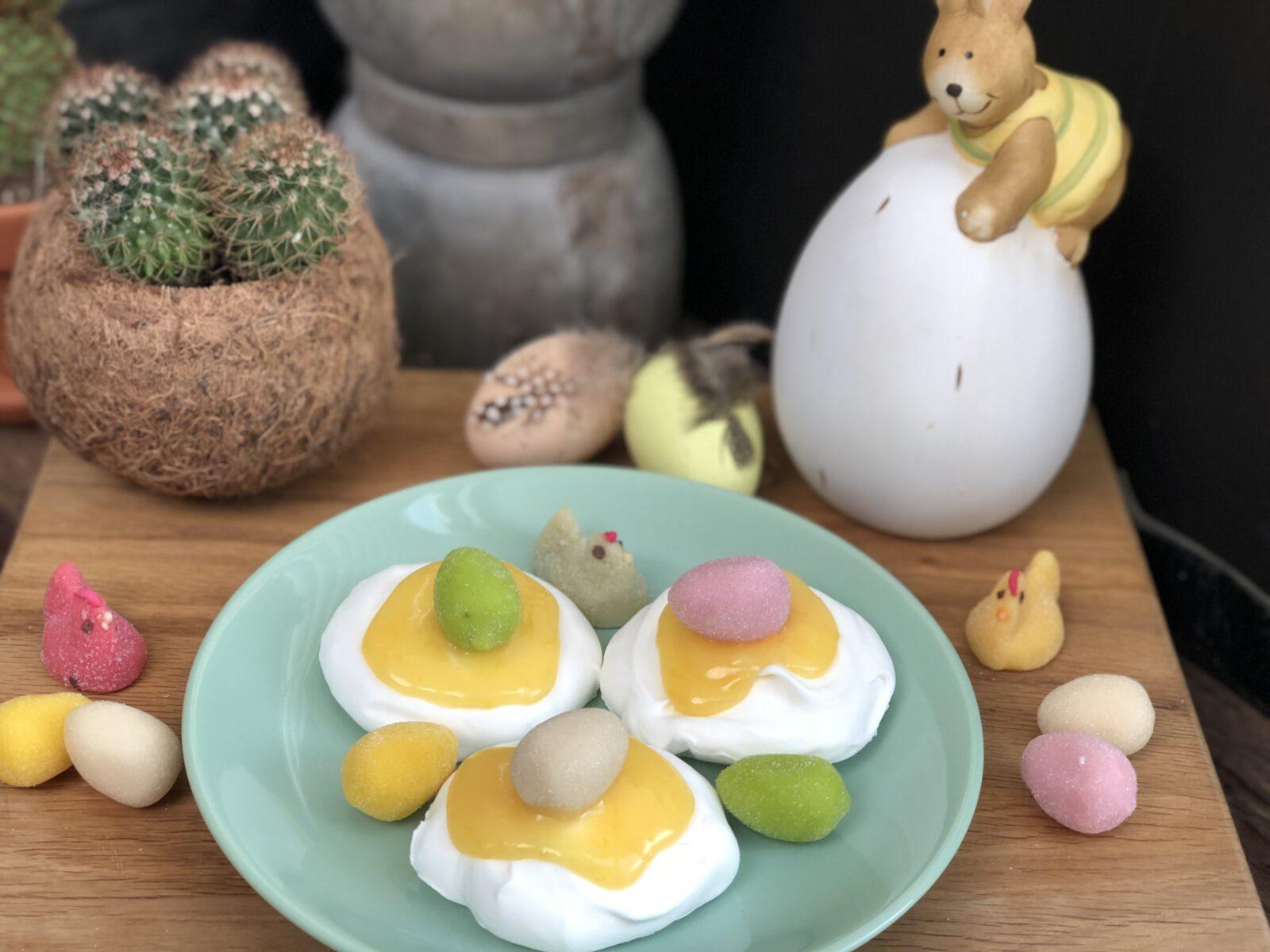 Paastoetje: meringues met diverse toppings - Familie over de kook
