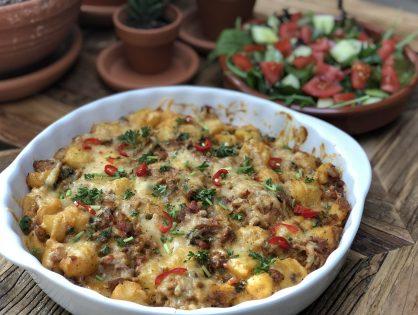 krieltjes ovenschotel met gekruid gehakt, spek, ui en kaas