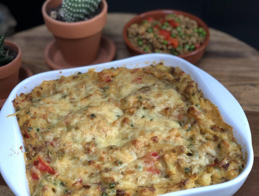 aardappel ovenschotel met doperwten en rode paprika