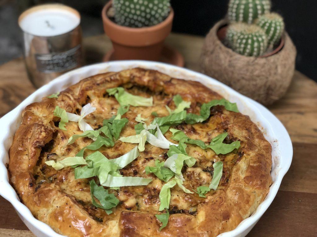 hartige taart: andijvietaart met kruidig gehakt en kaas - Familie over de kook