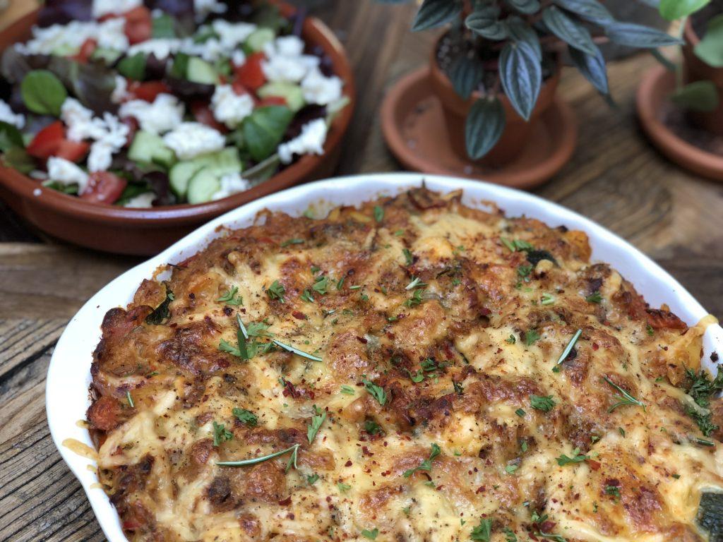aardappel ovenschotel met tonijn, courgette en tomaat - Familie over de kook