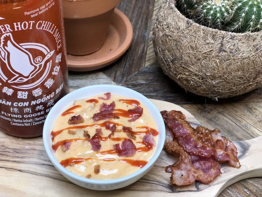 pittige sriracha mayonaise met krokante spek - Familie over de kook