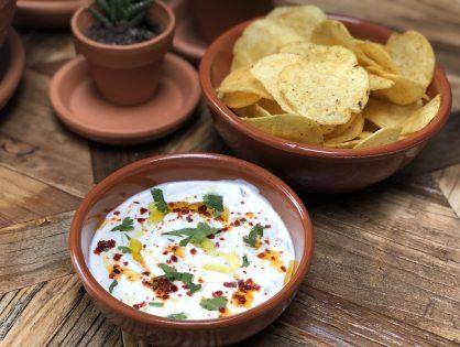 frisse yoghurtdip: lekker bij diverse gerechten en snacks