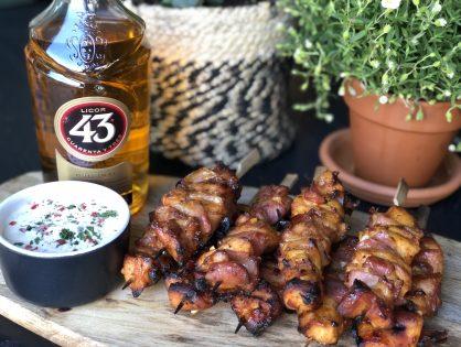 BBQ TIP: kip gemarineerd in Licor 43 met spek