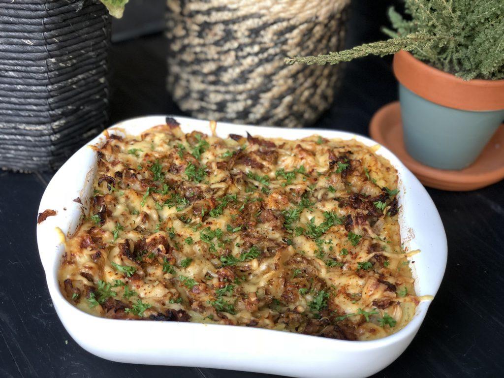 Spitskool ovenschotel met spek en kaas - Familie over de kook