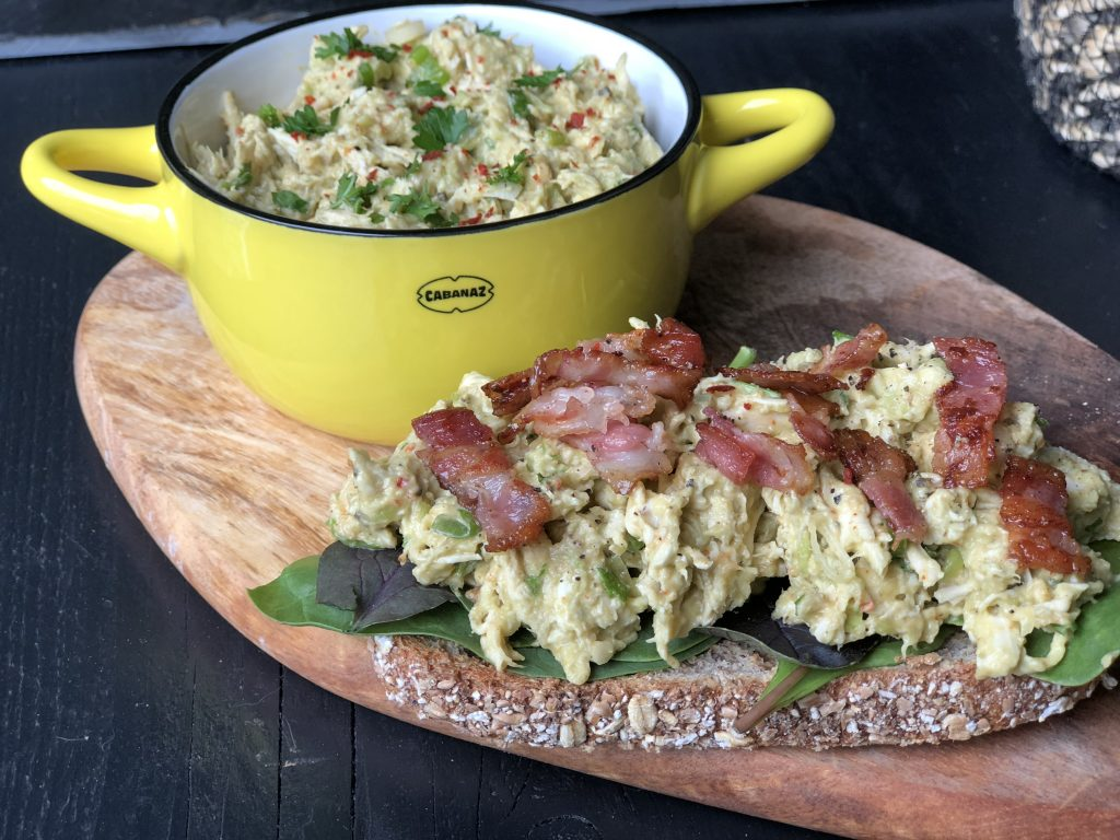 avocado kip salade: een lekkere zomerse salade - Familie over de kook