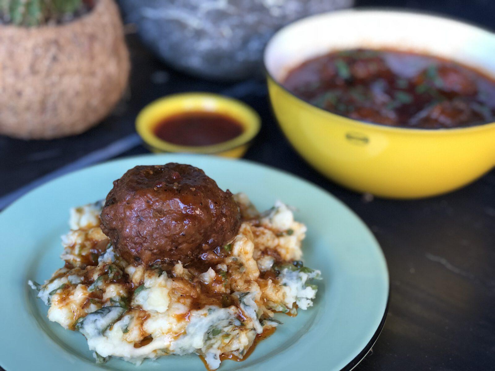 Surinaamse gehaktballen in pittige jus - Familie over de kook