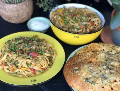 bami met kruidige roomsaus en groenten