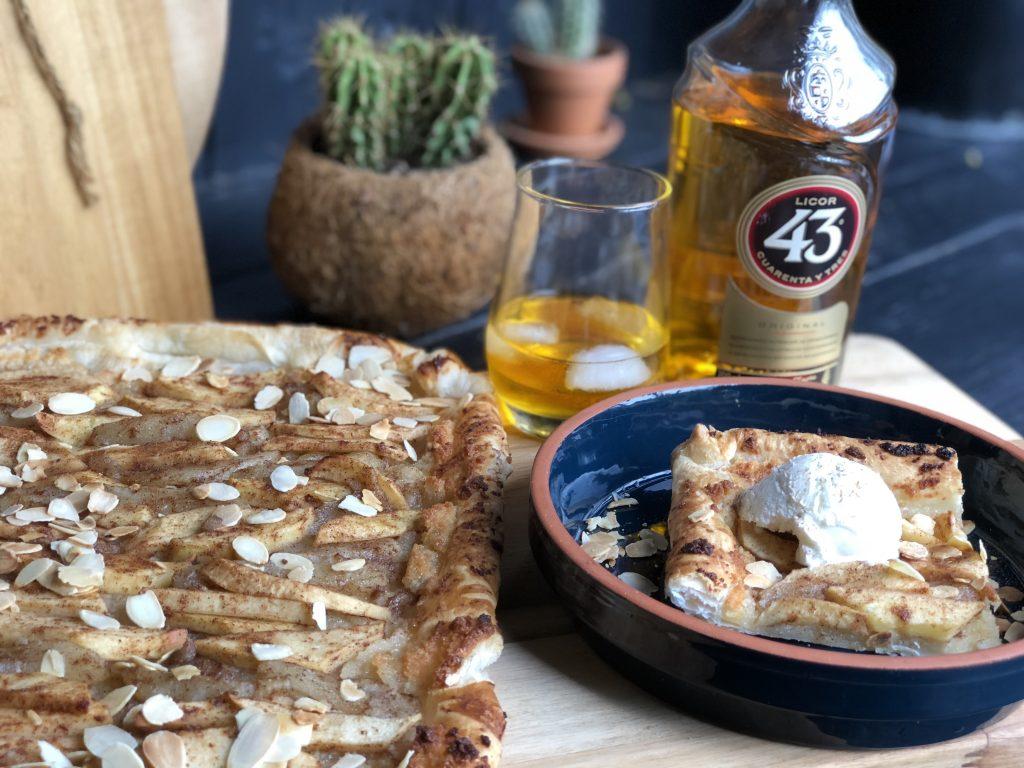 recept plaattaart met appel peer amandelspijs en Licor 43 op bladerdeeg