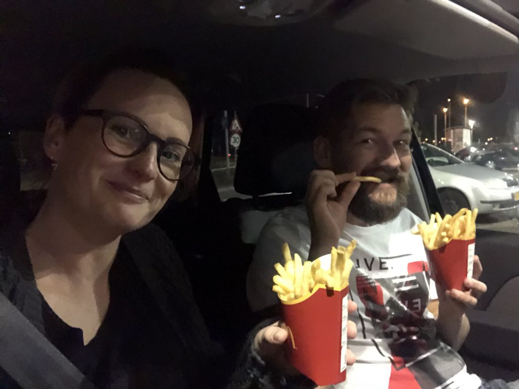 frietjes halen bij de McDonald's