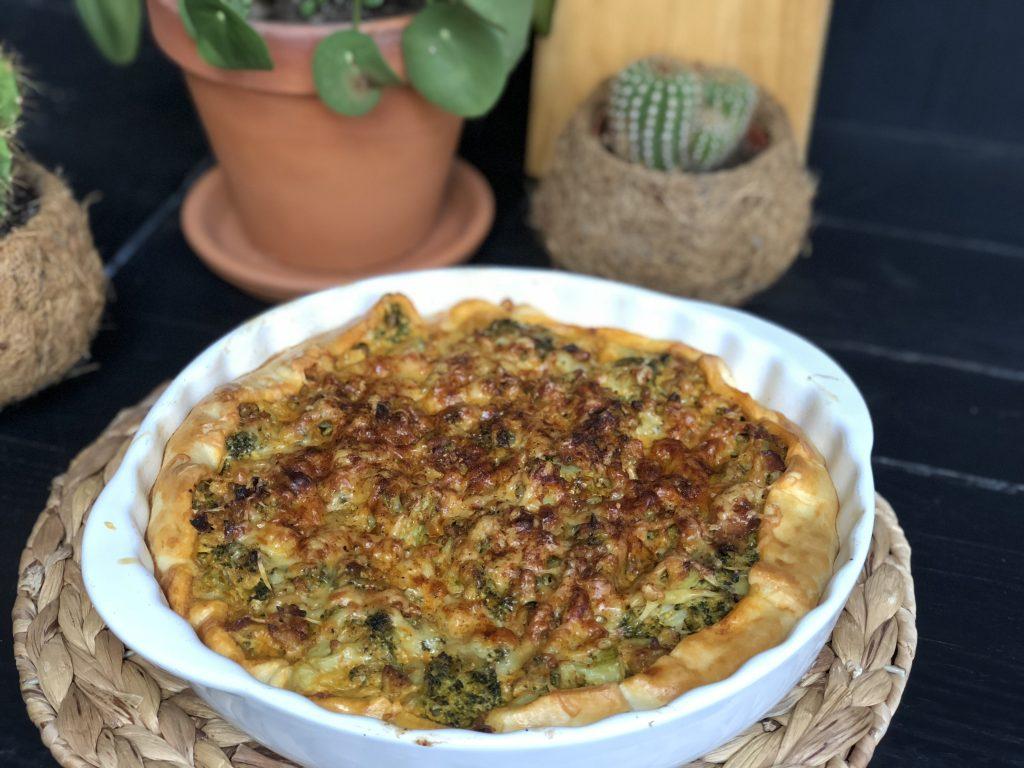 hartige taart broccoli roomkaas gehakt spek kaas
