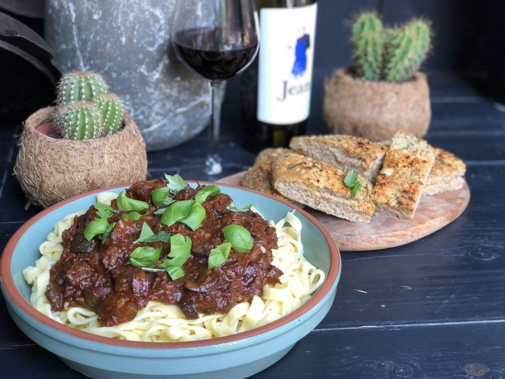 recept Italiaanse stoofschotel met sukade en rode wijn van de bbq als pastasaus gemaakt