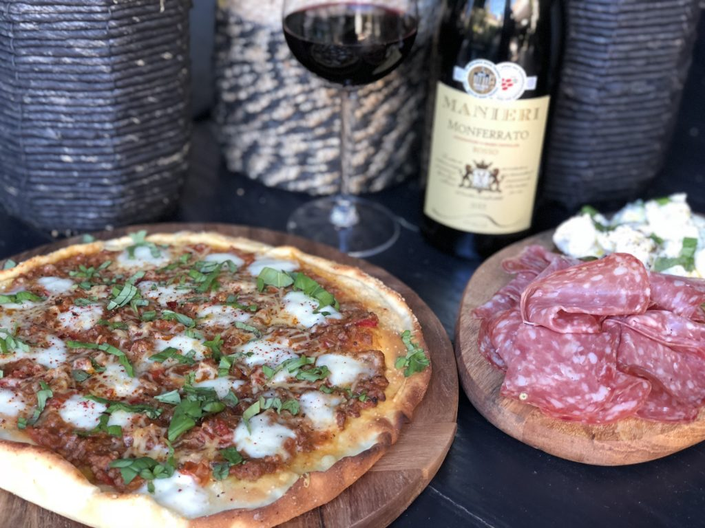 recept pizza Bolognese met gehakt en mozzarella
