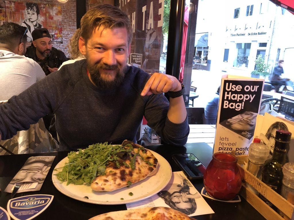 uit eten bij Happy Italy ervaring