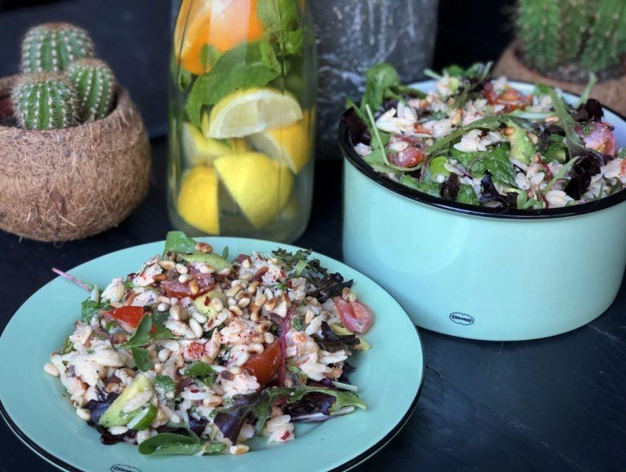 Orzo salade met gerookte zalm
