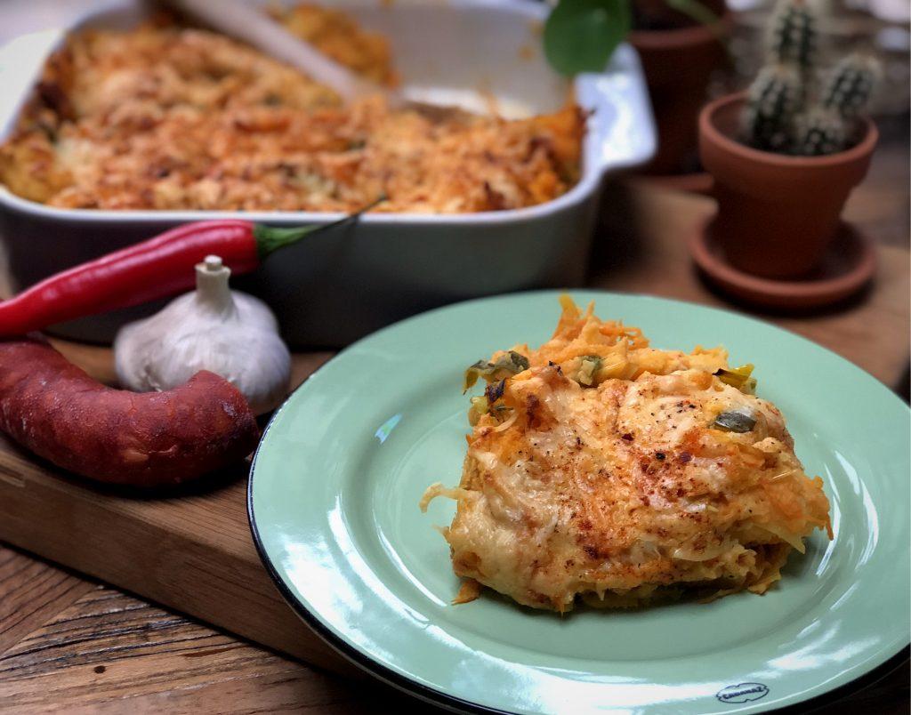 recept ovenschotel met prei, wortel, rode pesto, aardappelpuree en chorizo