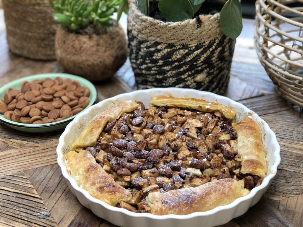 Makkelijke Sinterklaastaart met appel en kruidnoten - Familie over de kook