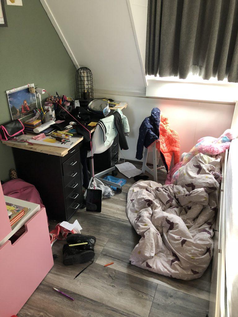 kinderen moeten hun eigen kamer opruimen.