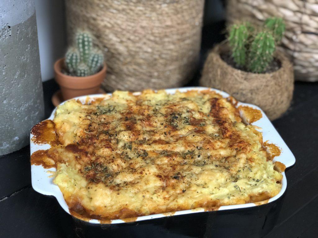 Ovenschotel met prei, paprika en pittig gehakt - Familie over de kook