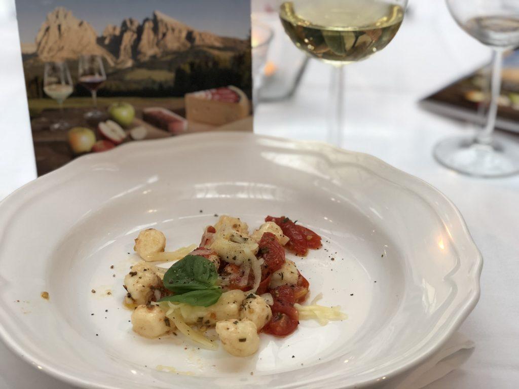 Zuid Tiroolse producten: Speck, Stilfser BOB kaas en Wijn Alto Adige DOC