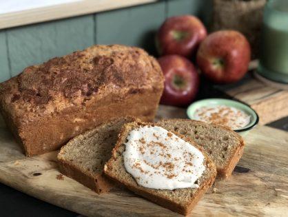 Cake met appel en kaneel maken