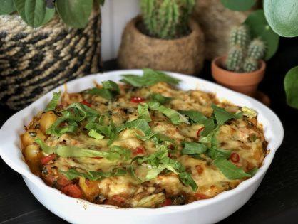 ovenschotel met andijvie, krieltjes, gekruid gehakt en kaas