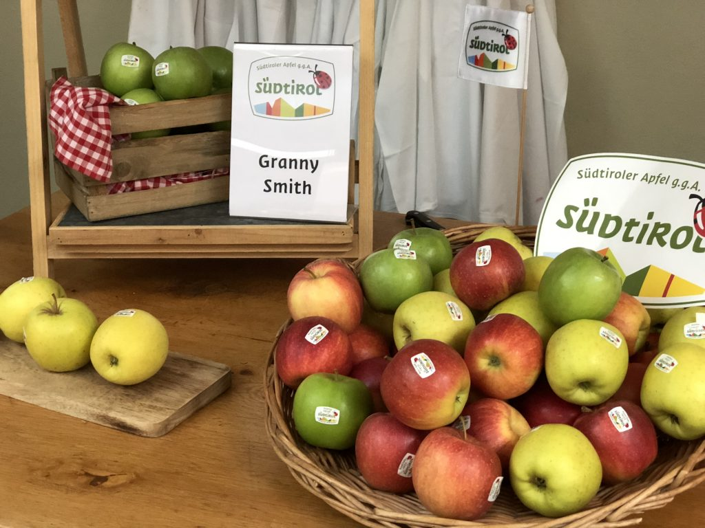 Zuid Tiroolse producten: Verschillende soorten appelen / appels Golden Delicious