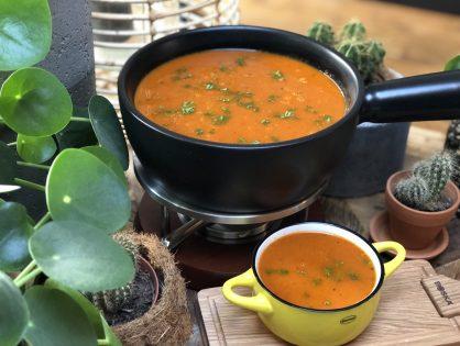 puntpaprika soep met tomaat maken